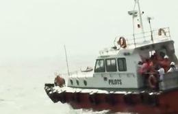 Chìm tàu ở TP.HCM: Công tác cứu hộ gặp khó khăn
