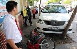 TP.HCM: Tài xế taxi đột tử gây tai nạn liên hoàn