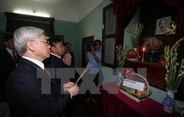 Tổng Bí thư Nguyễn Phú Trọng dâng hương tưởng nhớ Bác Hồ