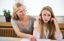 Cha mẹ nên làm gì với khủng hoảng tuổi thiếu niên của con?