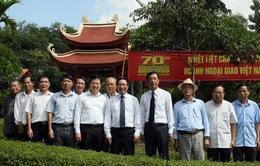 Phó Thủ tướng Phạm Bình Minh thăm Khu di tích lịch sử Tuyên Quang