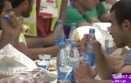 """VĐV thể thao """"căng mình"""" trong tháng lễ ăn chay Ramadan"""