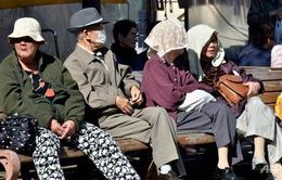 """Đông Á hiển hiện nguy cơ """"già trước khi giàu"""""""
