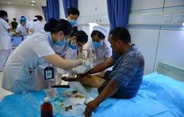"""Trung Quốc: Bệnh viện tại Thiên Tân """"vật lộn"""" trong tình trạng quá tải"""