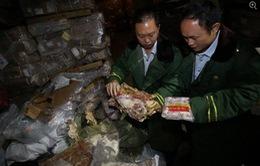 Trung Quốc bắt giữ hàng trăm tấn thịt đông lạnh niên đại 40 năm