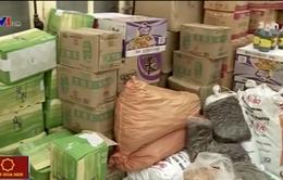 Hà Nội: Bắt giữ gần 1 tấn thực phẩm nhập lậu
