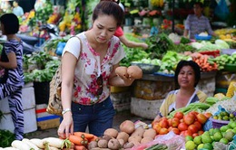 Người dân gặp khó trong việc lựa chọn thực phẩm an toàn
