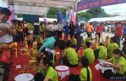 Nhộn nhịp các gian hàng làng nghề truyền thống Thăng Long - Hà Nội