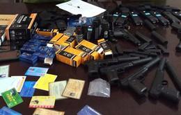 Thanh Hóa: Bắt 2 đối tượng buôn bán súng bắn đạn bi, thuốc kích dục