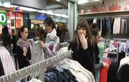 Dân Thụy Sĩ đổ xô sang Đức mua sắm do đồng Franc thả nổi
