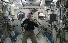 Tiệc Tạ ơn trên trạm vũ trụ quốc tế ISS