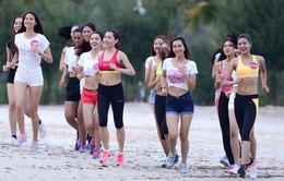 """Hoa hậu Hoàn vũ Việt Nam 2015 tập luyện cùng """"Nữ hoàng tốc độ"""""""