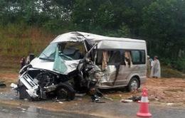 Xe rước dâu gặp nạn trên cao tốc Hà Nội - Lào Cai, 9 người thương vong