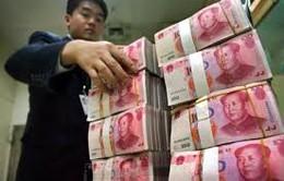 """Trung Quốc """"bơm"""" thêm 8 tỉ USD vào hệ thống ngân hàng"""