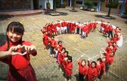 """7 năm """"Trái tim cho em"""": 2.700 trẻ em nghèo được hỗ trợ"""