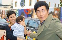 Vợ chồng Trần Hào phấn khởi đón quý tử thứ hai