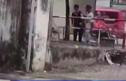 Bắt giữ đối tượng ngang nhiên trấn lột tiền giữa ban ngày tại Hà Nội