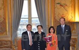 Pháp tặng Huân chương Công trạng cho Tham tán Công sứ Việt Nam