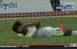 Văn Sơn dùng tay chơi bóng, HAGL chịu bàn thua đáng tiếc