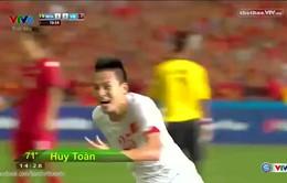 Huy Toàn xuất hiện bất ngờ ghi bàn gỡ hòa