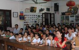 Việt kiều Đức trao 1.000 Euro cho trẻ em mồ côi Hà Nội