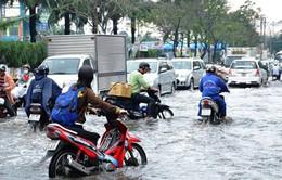 Thoát nước đô thị kém hiệu quả, TP.HCM ngập trong nước