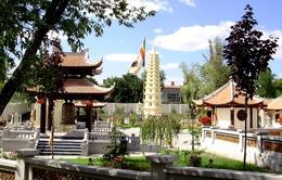 Đầu năm đi lễ chùa Việt ở Ukraine