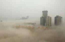 Hơn 30 thành phố phía Bắc Trung Quốc bị bao phủ bởi khói mù