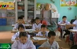 Quỹ Tấm lòng Việt tặng sách vở, máy tính cho học sinh nghèo tỉnh Nam Định