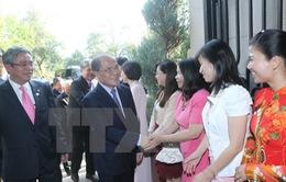 Chủ tịch Quốc hội thăm Đại sứ quán Việt Nam tại Hoa Kỳ