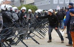 Biểu tình của nông dân châu Âu bùng phát thành bạo lực