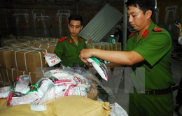 Phát hiện 5 tấn đường hóa học, chất tạo ngọt xuất xứ Trung Quốc