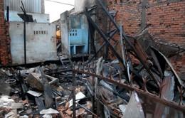 TP.HCM: Cháy lớn thiêu rụi cửa hàng tạp hóa, lan sang 3 nhà khác
