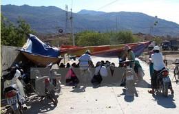 Ninh Thuận: Người dân dựng trại đểchặn xe khai thác đá