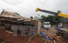 Bình Phước: Xe tải bị lật gây ùn tắc giao thông trên Quốc lộ 14