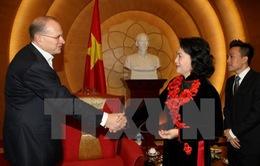Phó Chủ tịch QH Nguyễn Thị Kim Ngân tiếp Chủ tịch Tập đoàn AIA