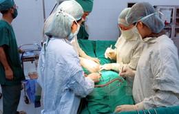 Phẫu thuật thành công ca gãy xương đùi ở cụ bà 100 tuổi