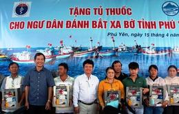 Tặng 150 tủ thuốc cho ngư dân Phú Yên