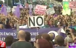 Tuần hành phản đối bạo lực đối với phụ nữ tại Tây Ban Nha