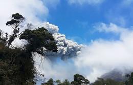 Núi lửaCosta Rica phun trào mạnh nhất trong2 thập kỉ qua