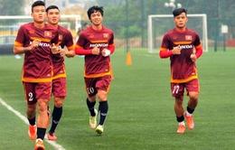 Công Phượng băng bó vết thương trong buổi tập của U23 Việt Nam