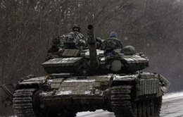 Ukraine và phe ly khai trì hoãn thu hồi vũ khí hạng nặng