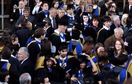 Anh buộc sinh viên ngoài EU phải về nước sau khi học xong