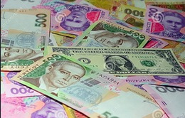 Ukraine thắt chặt kiểm soát tiền tệ