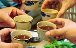 Gần 200 người ngộ độc rượu tại Campuchia