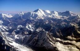 Núi Everest dịch chuyển... 3cm sau động đất tại Nepal