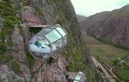 Đến Peru, thử cảm giác ngủ lơ lửng tại khách sạn cheo leo trên vách núi