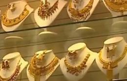 Ấn Độ khuyến khích người dân gửi vàng vào ngân hàng