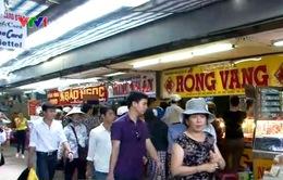 Đổ xô đi bán vàng ở chợ Đông Ba: Do tin đồn thất thiệt
