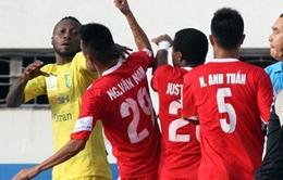 V.League 2015: Hậu vệ Văn Nam bị treo giò do chơi bóng bạo lực